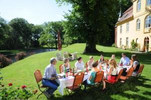 Zu Tisch bei Freunden  Foto: Andreas Dürst